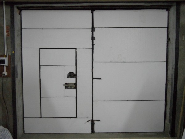 Можно оклеивать двери и без каркаса