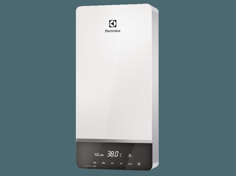 На фото — проточный водонагреватель Electrolux NPX 18-24 Sensomatic Pro. Он обеспечивает точность нагрева воды в 1 градус в диапазоне 30-60 °С. Мощность прибора — 24 кВт, розничная стоимость — 16 499 рублей.