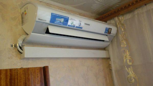 Направив жалюзи в пол в режиме нагрева, вы получите равномерный нагрев воздуха по всему объему комнаты.