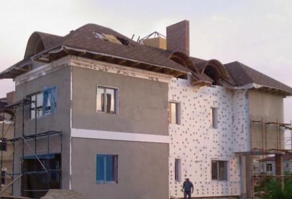Наружное утепление стен пенопластом может вдвое сократить расход топлива.