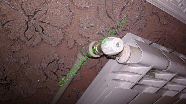 Недорогие полипропиленовые трубы - типичное решение для автономного отопления.
