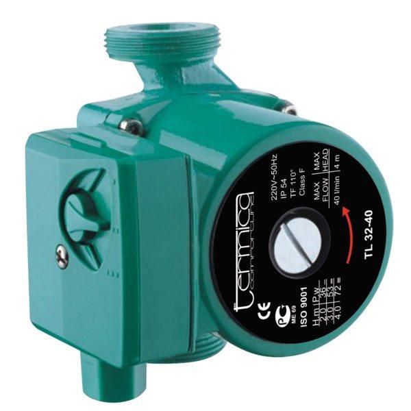 Оба параметра указаны в маркировке насоса: напор — до 4 метров, производительность — до 40 литров в минуту, или до 2,4 кубометров в час.