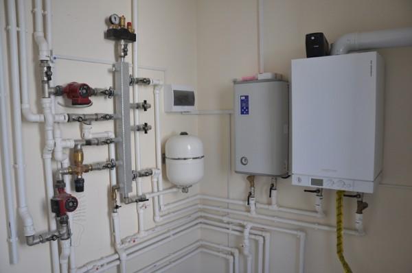Одновременная обвязка газового и электрического котлов