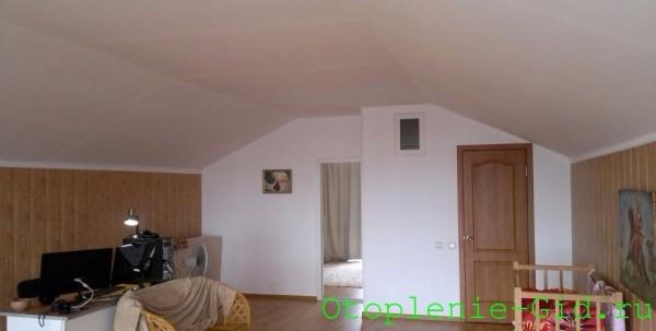 Отапливаемое помещение состоит из двух комнат и санузла общей площадью 60 м2.
