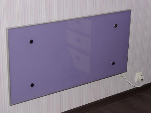 Панельный нагреватель с керамической лицевой панелью.
