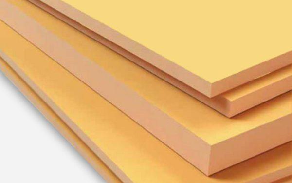 Пеноплекс — прочный и влагоустойчивый полимерный утеплитель, в отличие от пенопласта