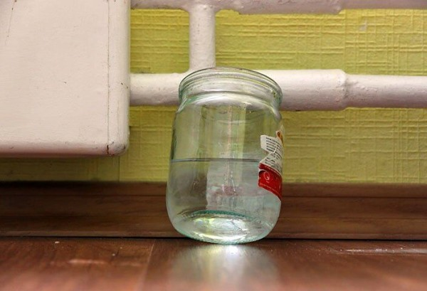 Перед тем как убрать течь радиатора, позаботьтесь о сохранности жилья.