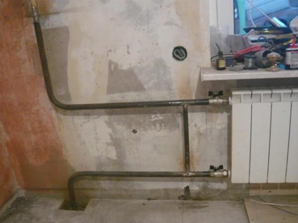 Перемычка обеспечит циркуляцию в стояке при отключенном радиаторе.