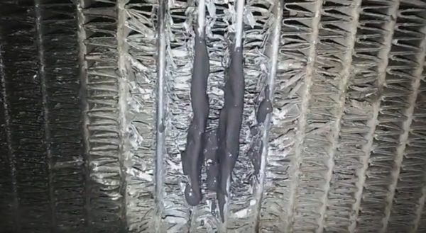 После пайки и обработки клеем секции радиатора выглядят так, как на фото