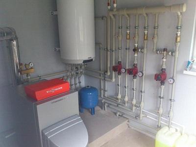 Представлена схема разводки отопления от котла электрического.