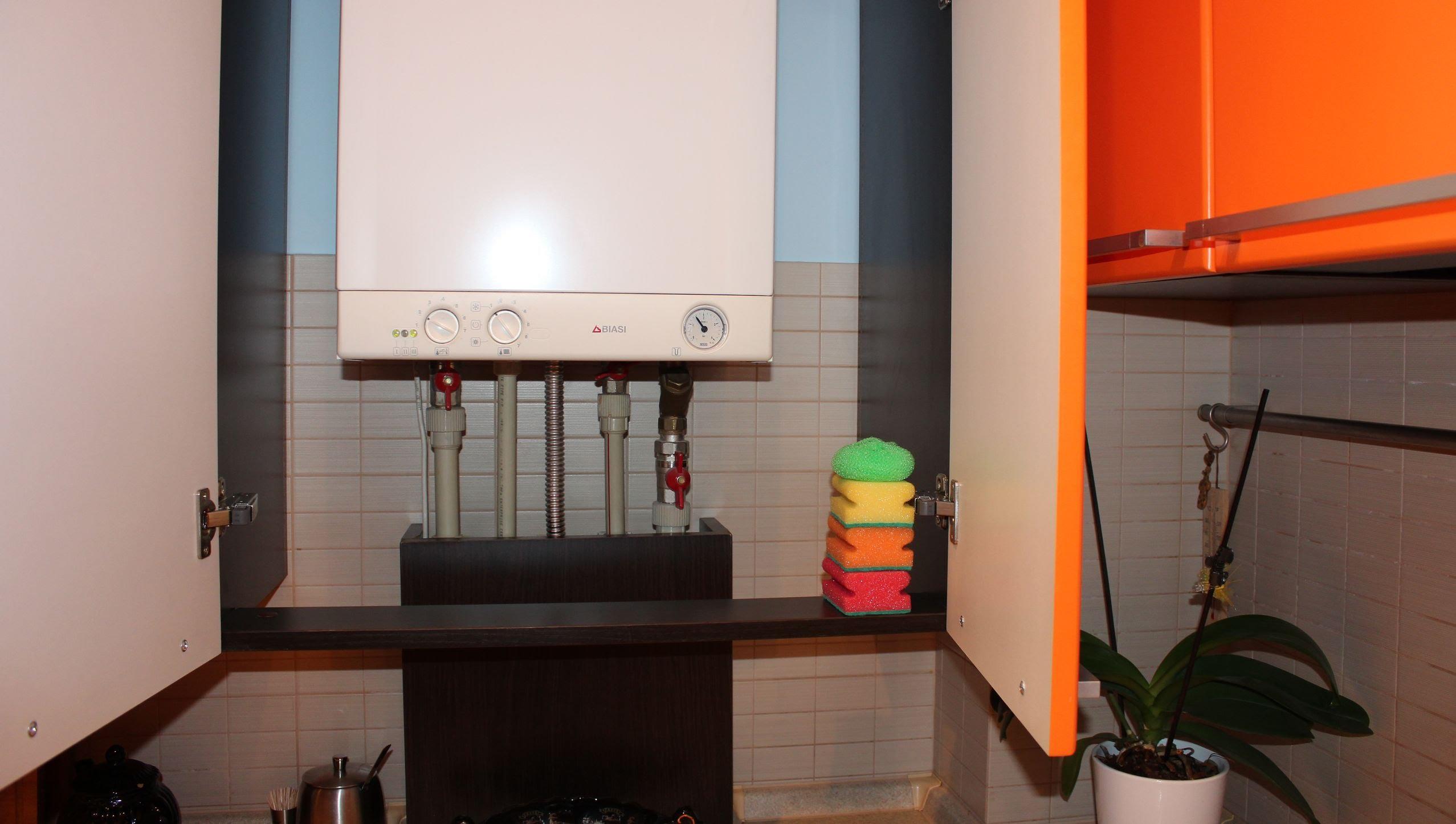 Интерьер кухни с аогв