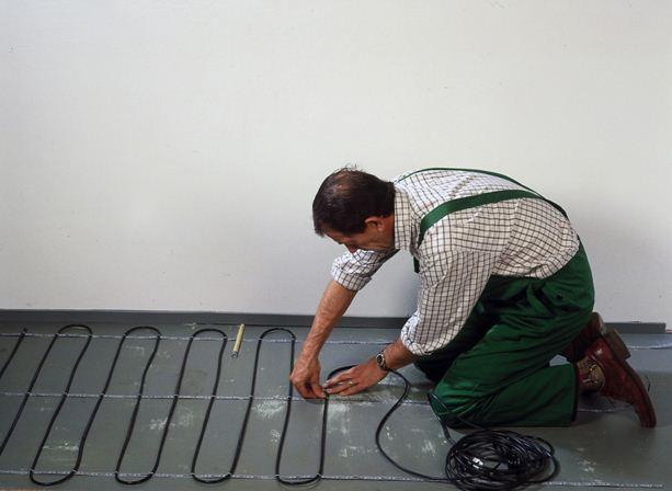 Проводники с высоким сопротивлением можно использовать и для обогрева полов, и для защиты труб от промерзания