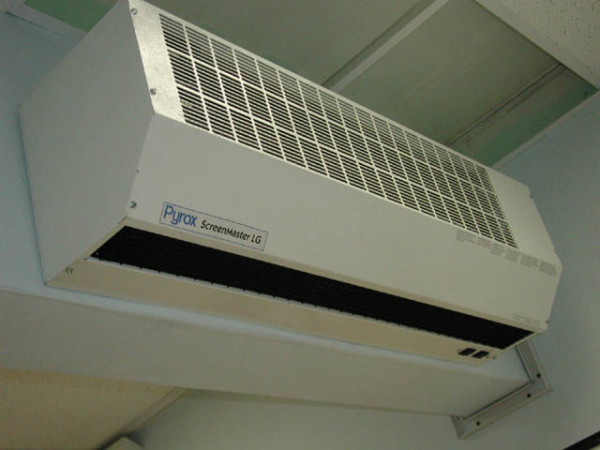 Pyrox – наиболее качественная марка тепловых завес.