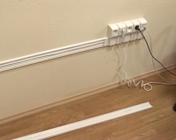 Разводка в кабель-канале приравнивается к открытой.