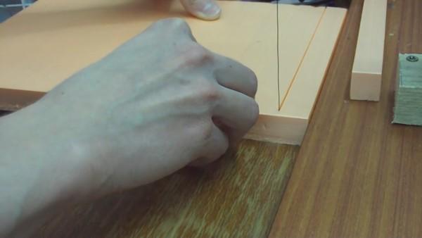 Резка листового пенополиуретана нагретой струной
