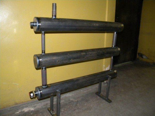 Самостоятельно сваренный регистр обходится владельцу в цену труб и электродов.