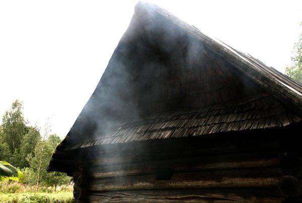 Слишком сильно дымящая печь может стать источником многих проблем