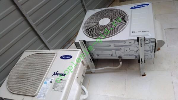 Сплит-системы на фото отвечают за климат в спальне и детской.