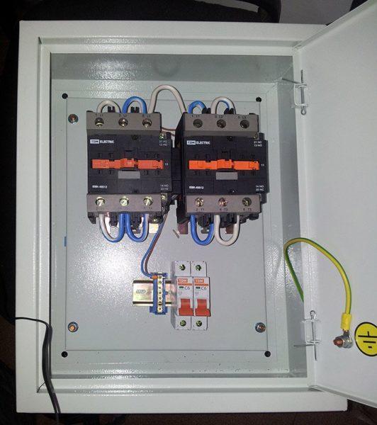 Так выглядит данный вариант подключения генератора к дому