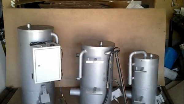 Так выглядит заводской водогрейный котел, работающий на отработке — водяной контур расположен в верхней части агрегата