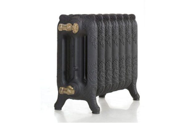 Трехканальный радиатор напольного типа от французского производителя.