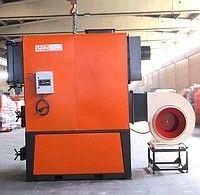 Твердотопливный теплогенератор с электрическим нагнетателем воздуха