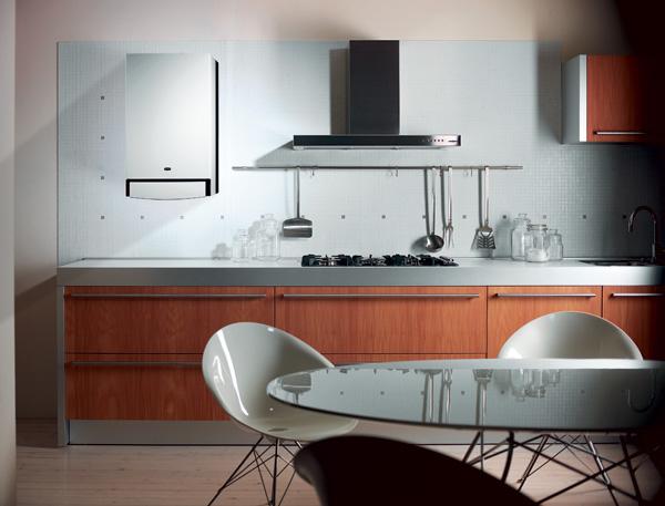 Устройство, обеспечивающее дом теплом и горячей водой, вполне может разместится на кухне.