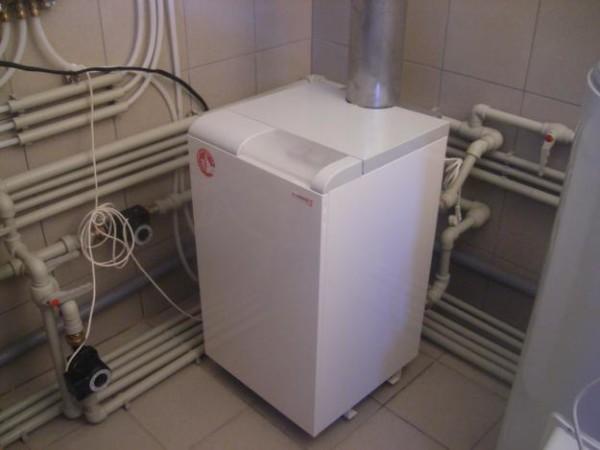 В одной котельной виден монтаж отопления-водоснабжения-канализации