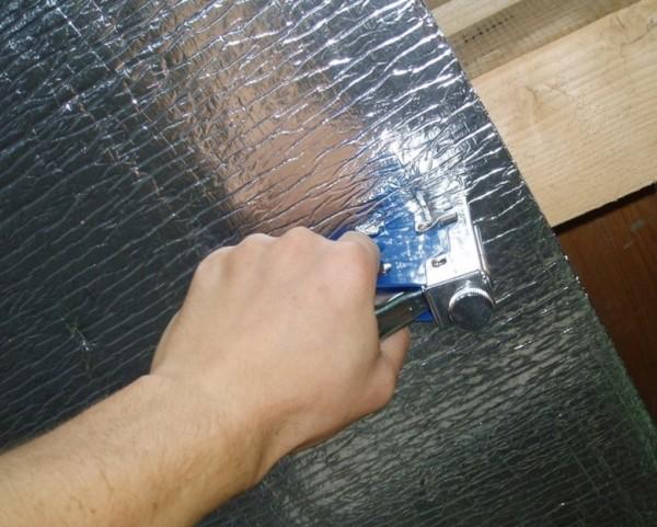 Важно хорошо зафиксировать отражающий материал