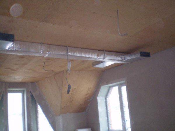 Воздуховоды системы воздушного отопления.