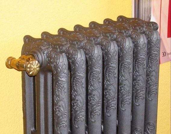 Встречаются нестандартные и эксклюзивные модели чугунных радиаторов, способные украсить интерьер вашего дома.
