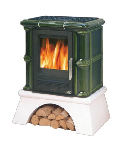Высота варочной плиты может показаться высокому человеку некомфортной. Решение - постамент, который заодно послужит для хранения запаса дров.